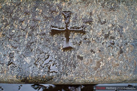 Korset i stenen. Foto: Christer Hedberg | christerhedberg.se