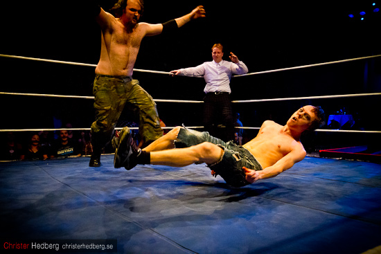 GBG Wrestling: Teen Wolf vs Huckleberry Sinn vs Nifelwarg. Foto: Christer Hedberg | christerhedberg.se