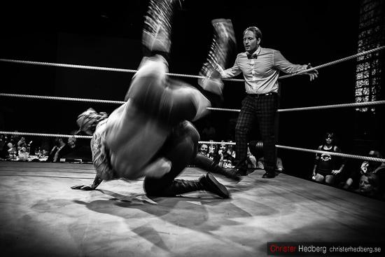 Steinbolt & Don Kalif vs Jenny Sjödin & Manimal @ GBG Wrestling. Foto: Christer Hedberg | christerhedberg.se