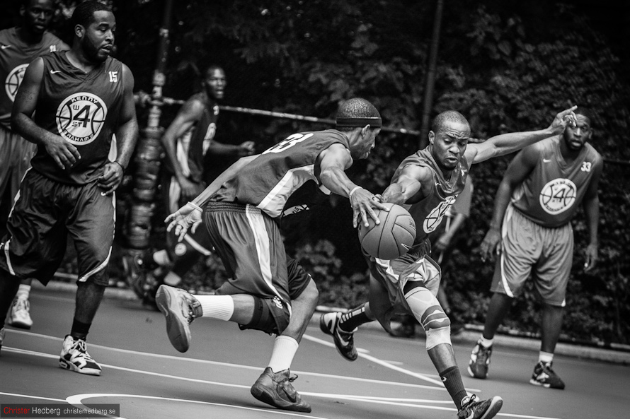 Kenny Graham's West 4th Street '12: Rosedale Trailblazers vs. Diamond. Foto: Christer Hedberg | christerhedberg.se